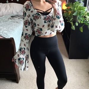 Tops - Floral boho bell sleeve crop blouse